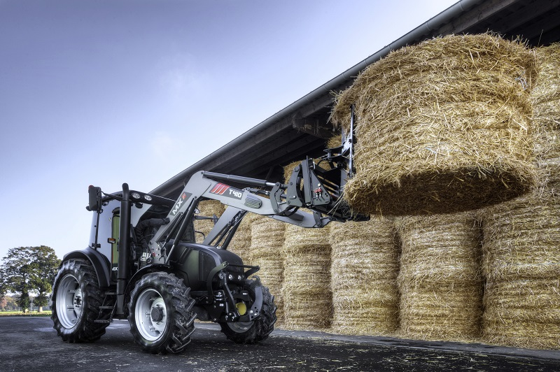 MX tractor-mounted handling equipment. Photo credit : MX