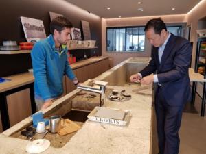 Mr Zhu from China in visit in Bretagne.
