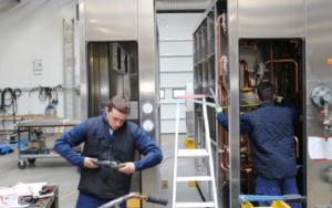 Mesurant de 2 à 25 mètres de long, 1 500 systèmes de climatisation sortent des ateliers d'ETT chaque année. Crédit photo : Pierre Gicquel, Journal des entreprises