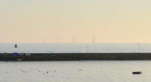 Les éoliennes flottantes de Groix et Belle-Ile. Crédit photo : Eolfi